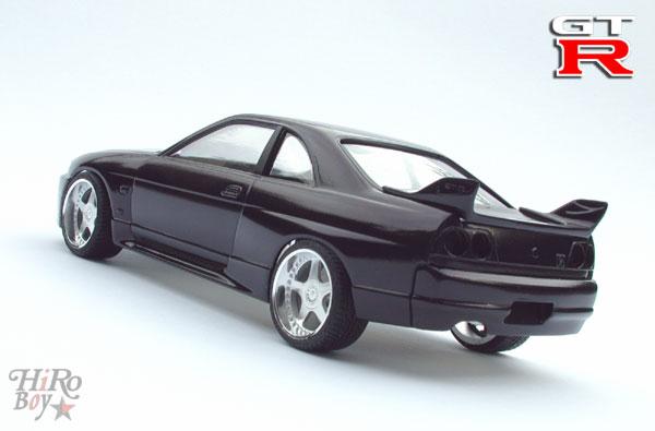 Midnight Purple Nissan Skyline R33 GT-R